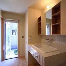 シンプル+ナチュラルな家 (洗面脱衣室)
