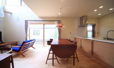 北欧家具と暮らす家~両親から譲り受けた古家の思い出をちりばめた家~ (ダイニング)
