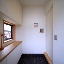 北欧家具と暮らす家 (玄関2)