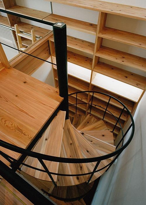 室町の家の部屋 階段(撮影:松村芳治)