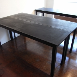 モルタルのテーブルとアクリルの収納~羊羹と寒天 (モルタルのテーブル1)