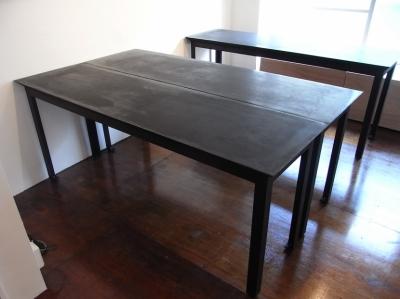 モルタルのテーブル1 (モルタルのテーブルとアクリルの収納~羊羹と寒天)