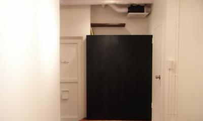 黒板のキッチン目隠し(close)|モルタルのテーブルとアクリルの収納~羊羹と寒天