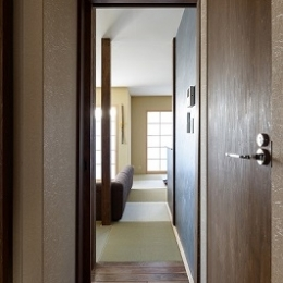 廊下 (いぐさの香りがあふれる家)