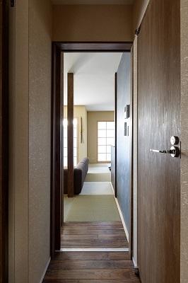 いぐさの香りがあふれる家の部屋 廊下