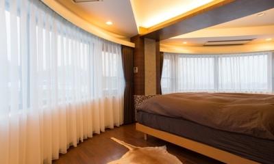主寝室|札幌の夜景が一望でき、 自然に包まれた 贅沢なマンションリノベーション