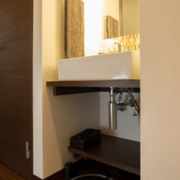 札幌の夜景が一望でき、 自然に包まれた 贅沢なマンションリノベーション (手洗いブース)