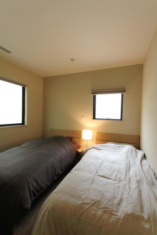 石と塗り壁の家 (ベッドルーム)
