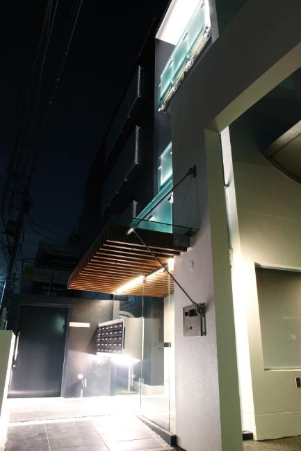 LKS [賃貸マンション]の写真 外観(夜間)