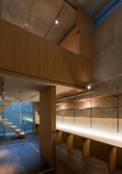 主室構造 (MKR [地下2階地上2階の家] 自邸)
