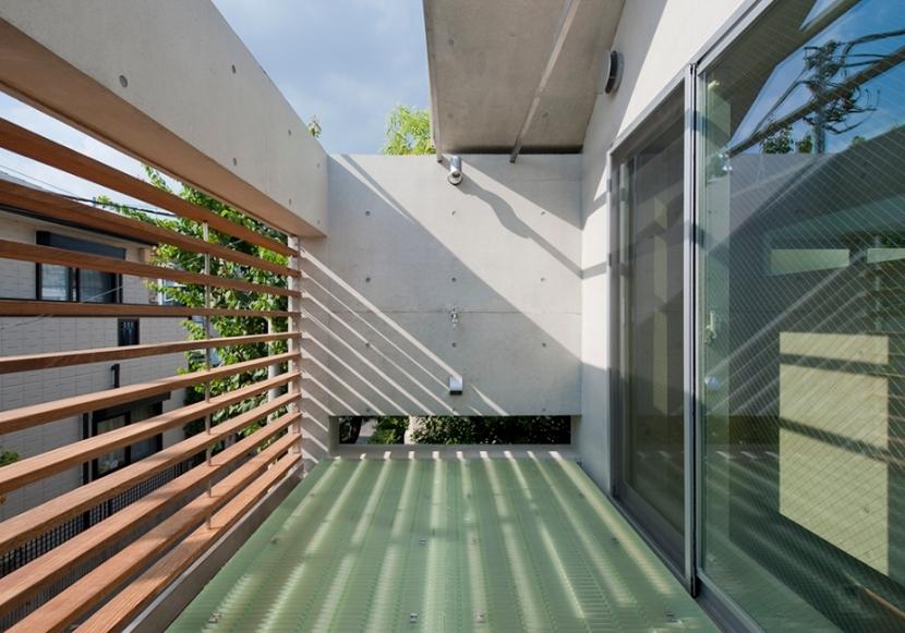MKR [地下2階地上2階の家] 自邸の部屋 空を望めるテラス
