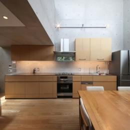 MKR [地下2階地上2階の家] 自邸 (キッチン周り)