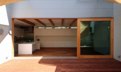 SKR [北側採光の家] (日当たりの良いテラス)