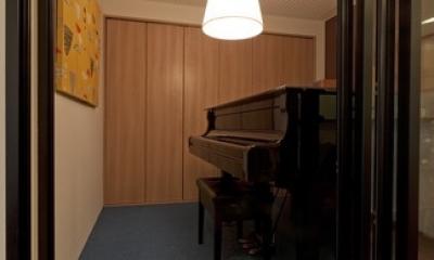 北欧に憧れて…天井に板貼りました (趣味部屋)