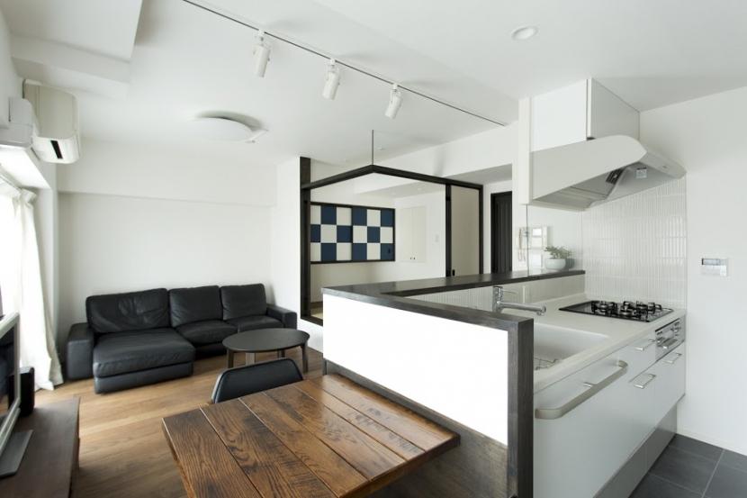 J邸・和モダンスタイル 光と風が通る心地よい住まいの部屋 LDK-畳スペースopen2