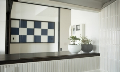 J邸・和モダンスタイル 光と風が通る心地よい住まい (キッチンからの眺め)