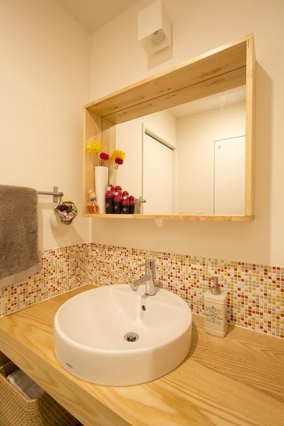 J邸・和モダンスタイル 光と風が通る心地よい住まいの部屋 洗面1