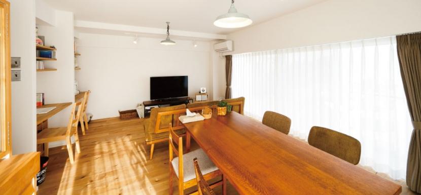 住み心地も、こだわりの家具に合うデザインも大切に考えた住まい。 (リビングダイニング)