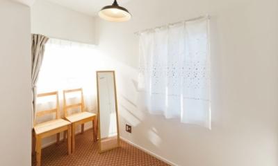 住み心地も、こだわりの家具に合うデザインも大切に考えた住まい。 (寝室奥スペース)