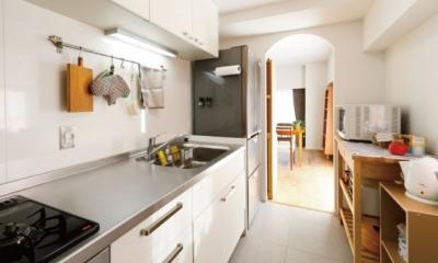 住み心地も、こだわりの家具に合うデザインも大切に考えた住まい。 (機能的なキッチン)