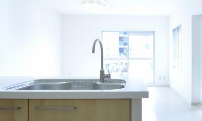 IKEAリノベーション (キッチンから見るリビングダイニング)