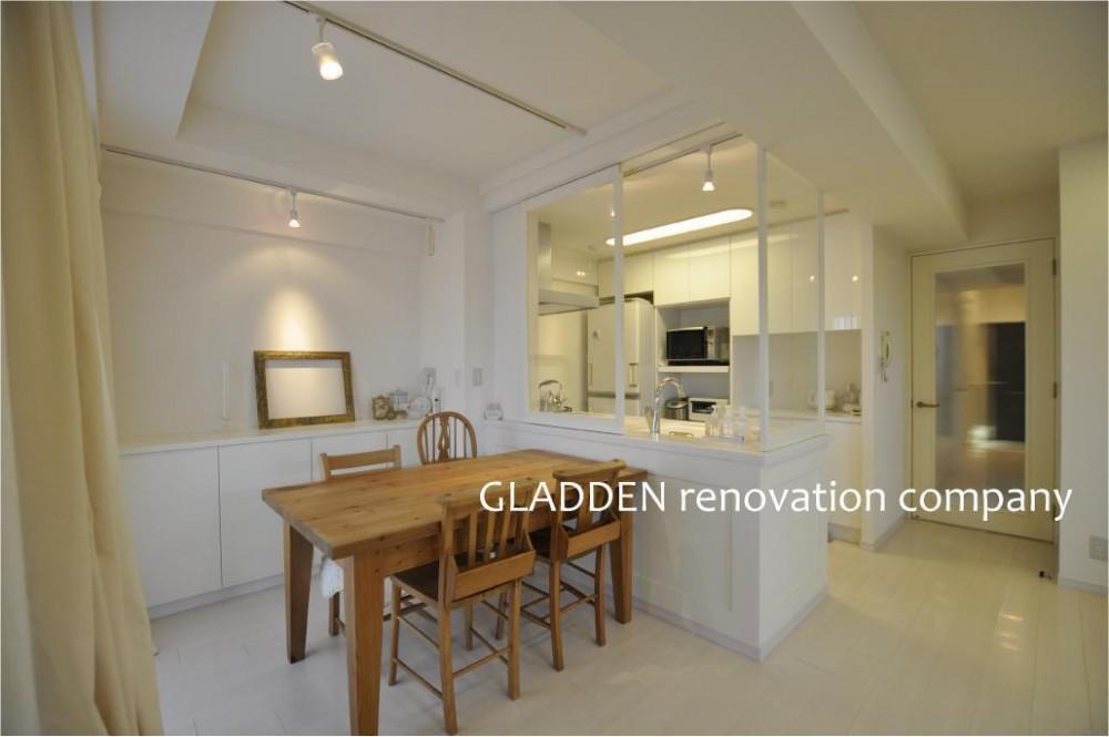 GLADDEN「白を基調としたカフェキッチン」