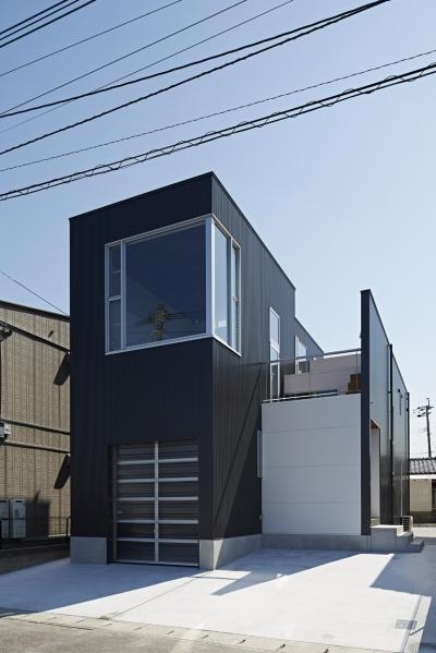 徳力新町の住宅/川を眺む家 (外観)