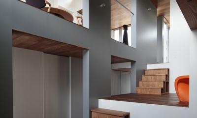 徳力新町の住宅/川を眺む家 (室1)