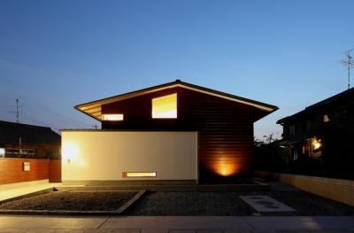 外観夜景 (一色白山の家)