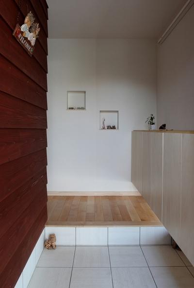 一色白山の家 (玄関)