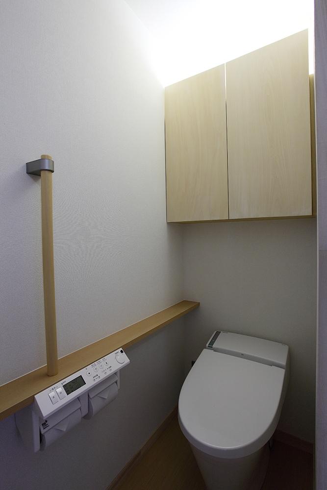 一色白山の家の写真 トイレ
