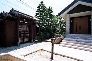 Kn邸の部屋 中庭 1