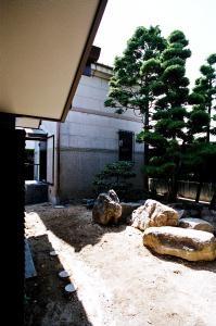 Kn邸の部屋 中庭 2
