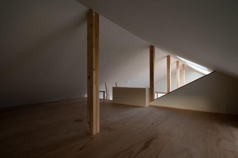 吉川の住まいの部屋 小屋裏収納 2