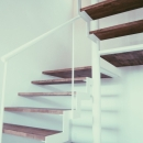 東和の住まいの写真 階段 2