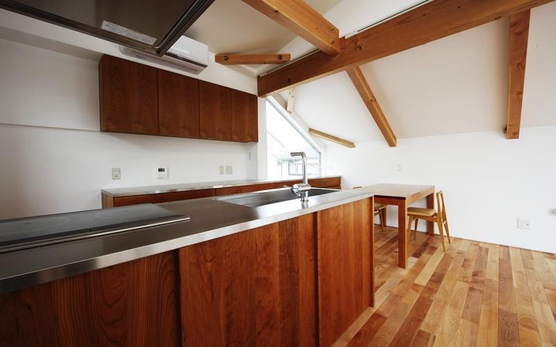 タテノニワの部屋 キッチン 2