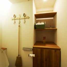 間のある家 (トイレ)