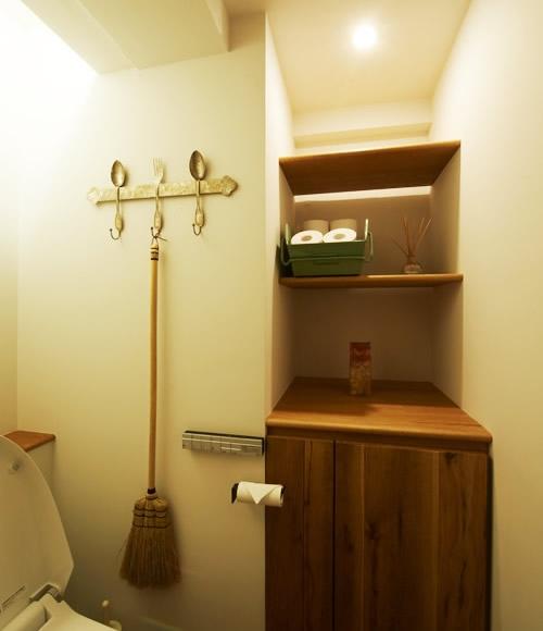 間のある家の部屋 トイレ