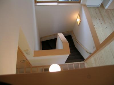 階段 (2階リビングの家)