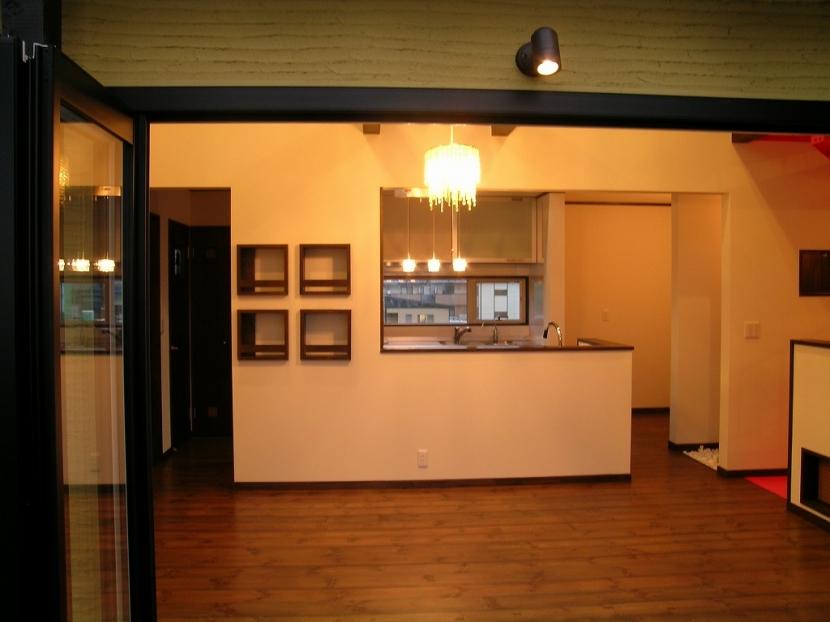 遊園地のような家の部屋 ダイニング・キッチン 2