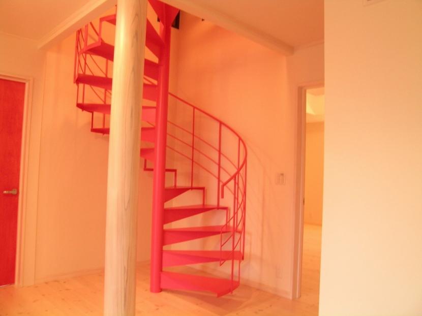 遊園地のような家の部屋 内部階段