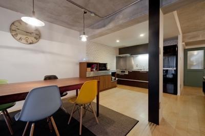 ダイニングキッチン (サブウェイタイルに造作洗面。自分好みのデザインと住み心地を追求した家にリノベーション)