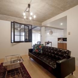 サブウェイタイルに造作洗面。自分好みのデザインと住み心地を追求した家にリノベーション