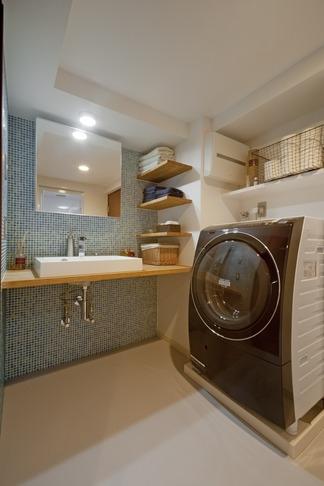 リフォーム・リノベーション会社:ハコリノベ「サブウェイタイルに造作洗面。自分好みのデザインと住み心地を追求した家にリノベーション」