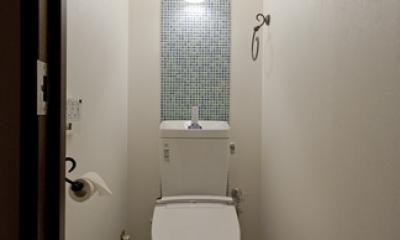サブウェイタイルに造作洗面。自分好みのデザインと住み心地を追求した家にリノベーション (トイレ)