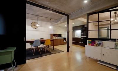 サブウェイタイルに造作洗面。自分好みのデザインと住み心地を追求した家にリノベーション (キッズスペース)