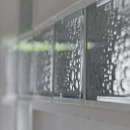 サブウェイタイルに造作洗面。自分好みのデザインと住み心地を追求した家にリノベーション (廊下2)