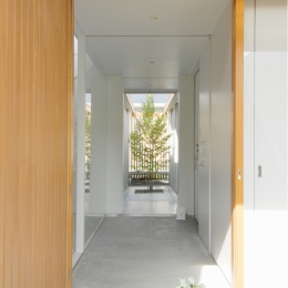昭和のコートハウス (玄関)