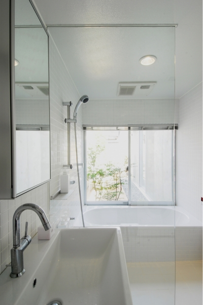 昭和のコートハウス (洗面/浴室)