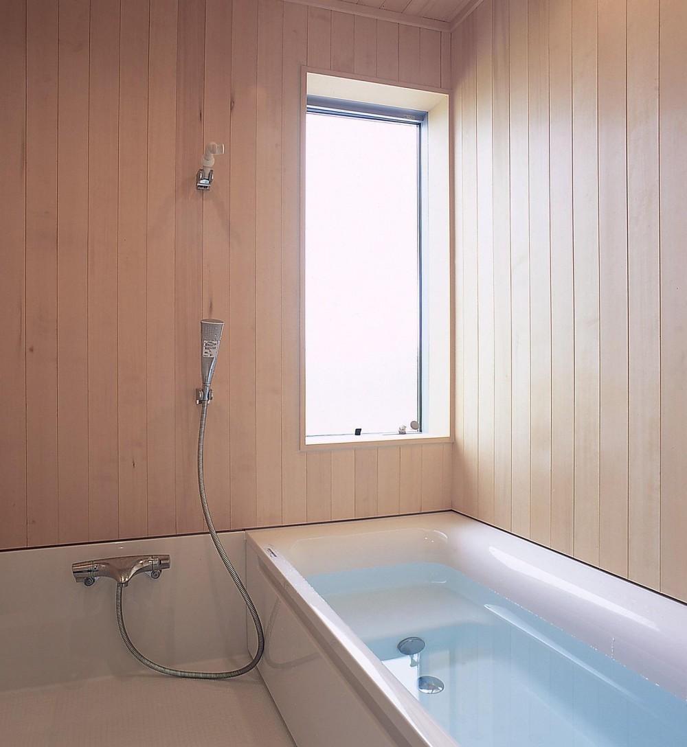 高木町の家~霧島連山を望む家~ (浴室)